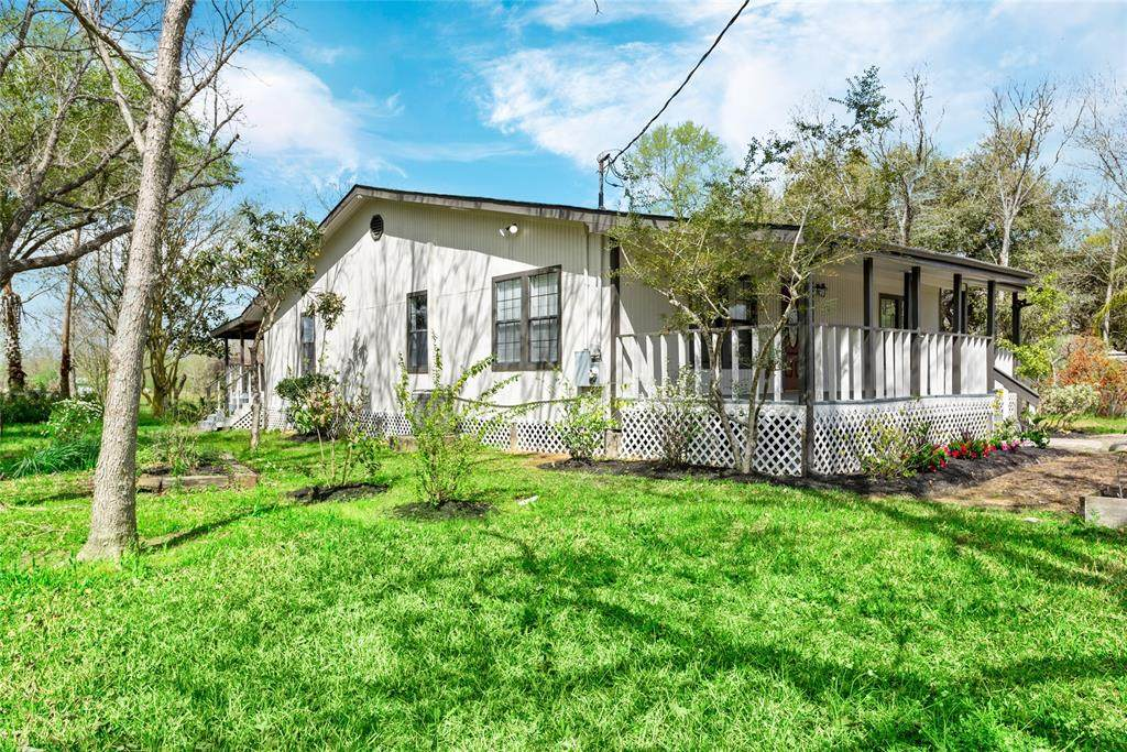 1685 County Road 393A - Photo 1