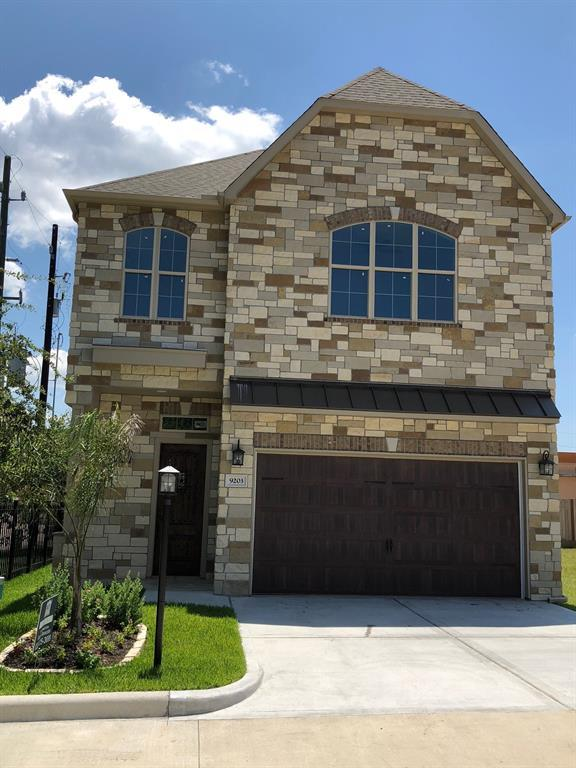 9203 Scenic Gardens Woods Lane, Spring, TX 77379 (MLS #81963172) :: The SOLD by George Team