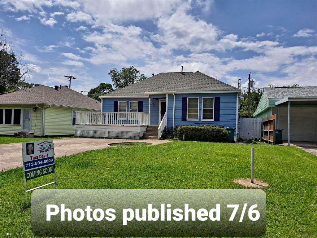 4914 Oleander Street - Photo 1