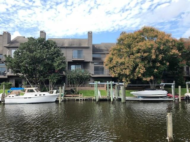 18313 Sandy Cove, Houston, TX 77058 (MLS #86500249) :: The SOLD by George Team