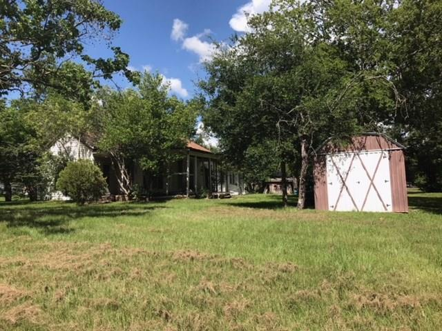 1106 6TH ST Street, Hempstead, TX 77445 (MLS #88051173) :: Texas Home Shop Realty