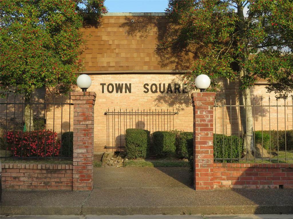 1324 Town Circle - Photo 1