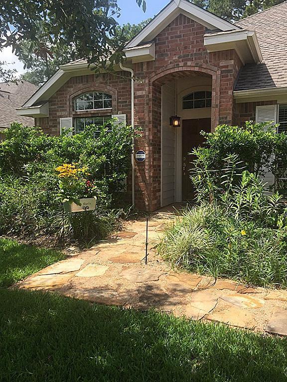 17703 Memorial Springs, Tomball, TX 77375 (MLS #94563127) :: Carrington Real Estate Services