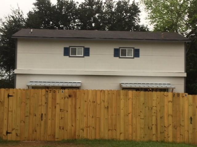 201 Mink W, Willis, TX 77378 (MLS #96958731) :: Texas Home Shop Realty