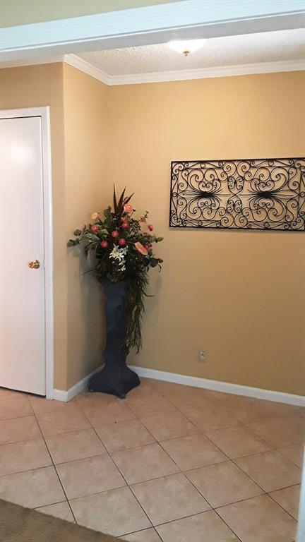 11002 Hammerly Boulevard #40, Houston, TX 77043 (MLS #28525460) :: Giorgi Real Estate Group