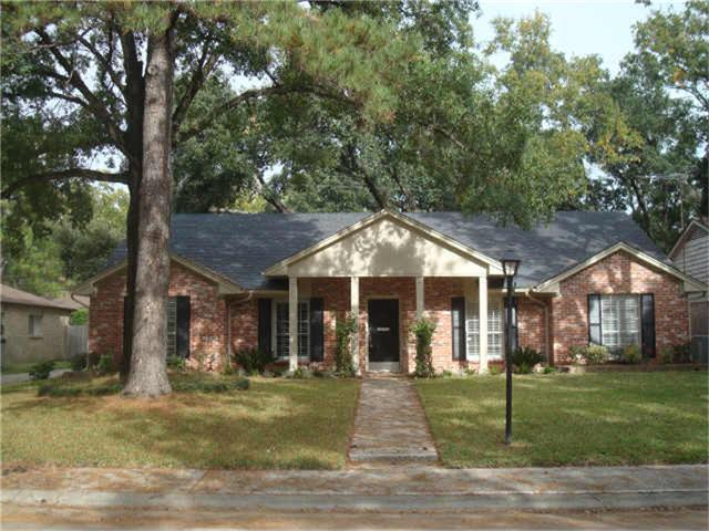 10006 Del Monte Drive, Houston, TX 77042 (MLS #34688880) :: The Bly Team