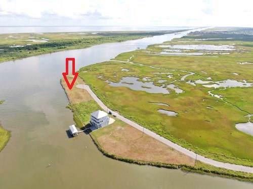 1325 Lagoon Drive, Crystal Beach, TX 77650 (MLS #44307967) :: The Andrea Curran Team powered by Compass