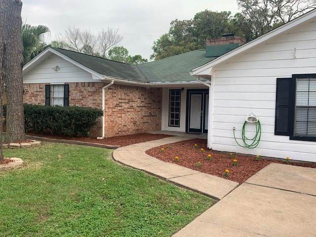106 County Road 904, Alvin, TX 77511 (MLS #57955781) :: Phyllis Foster Real Estate