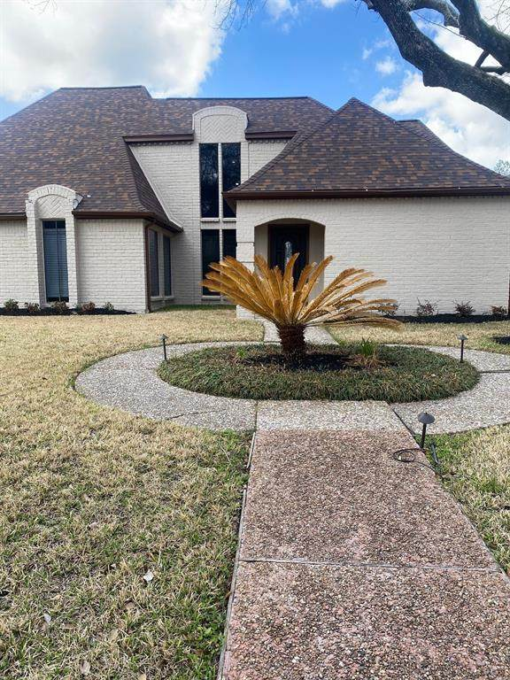 1622 Fall Valley Drive, Houston, TX 77077 (MLS #65544060) :: The Home Branch