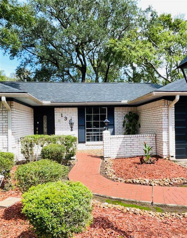130 Dogwood Street, Lake Jackson, TX 77566 (MLS #74270082) :: Connect Realty