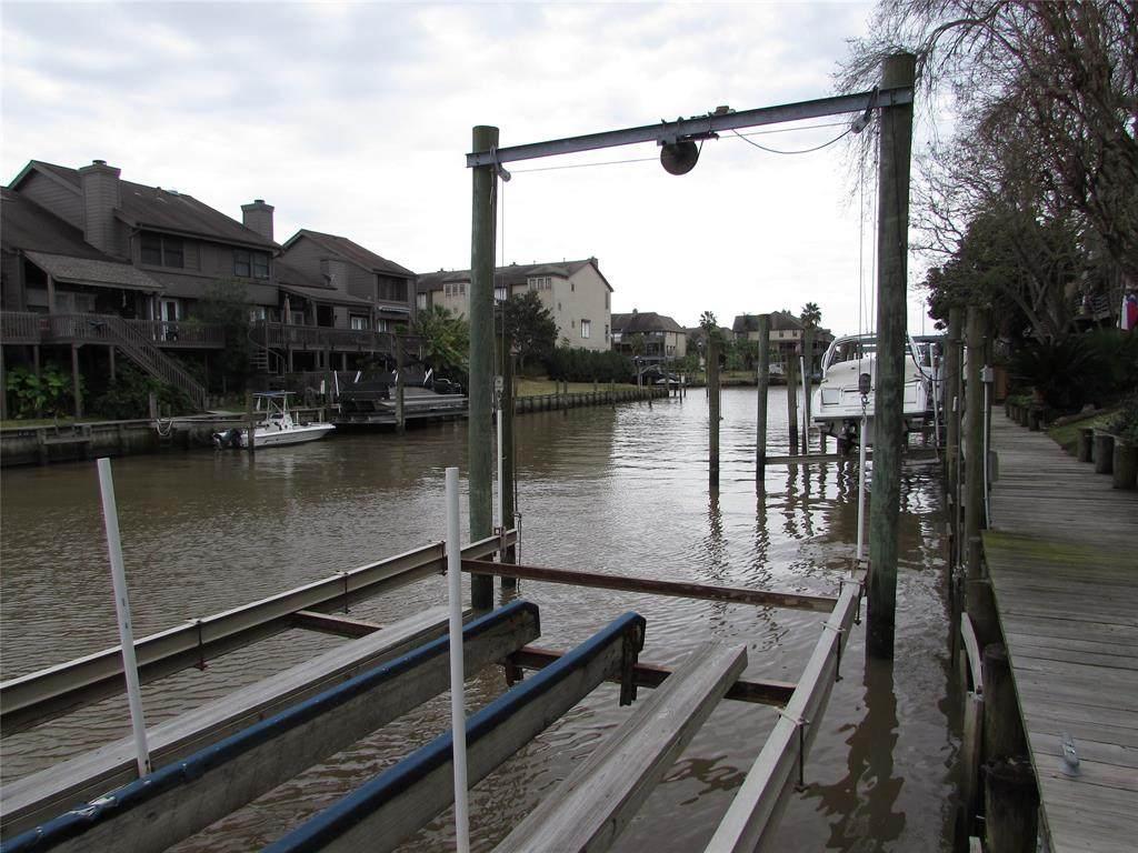 18217 Sandy Cove - Photo 1