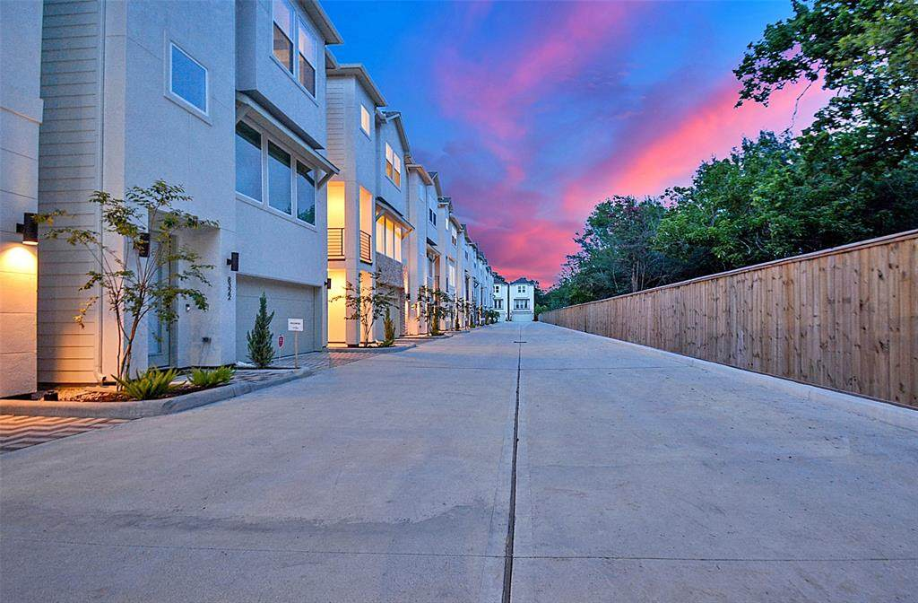 8304 Vista Bella Lane - Photo 1