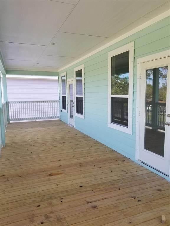 245 Bay Oaks Drive, La Porte, TX 77571 (MLS #3521756) :: The Home Branch