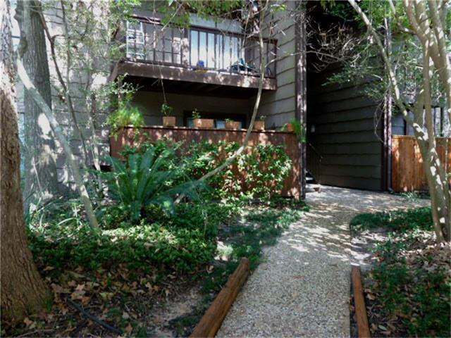 11711 Memorial Drive #129, Houston, TX 77024 (MLS #45529894) :: REMAX Space Center - The Bly Team