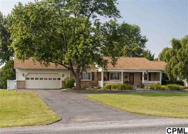8854 Devonshire Heights Rd, Hummelstown, PA 17036 (MLS #10225043) :: The Joy Daniels Real Estate Group