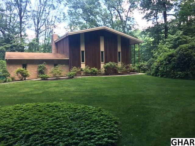 866 Sand Hill Road, Hershey, PA 17033 (MLS #10302944) :: The Joy Daniels Real Estate Group