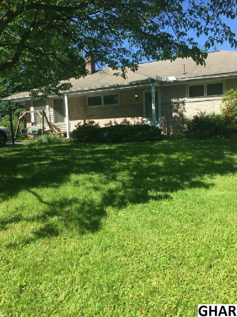 5 Carol Lane, Enola, PA 17025 (MLS #10303806) :: The Joy Daniels Real Estate Group