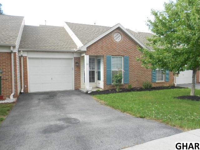 12 Tunbridge Ln, Carlisle, PA 17015 (MLS #10304755) :: The Heather Neidlinger Team With Berkshire Hathaway HomeServices Homesale Realty