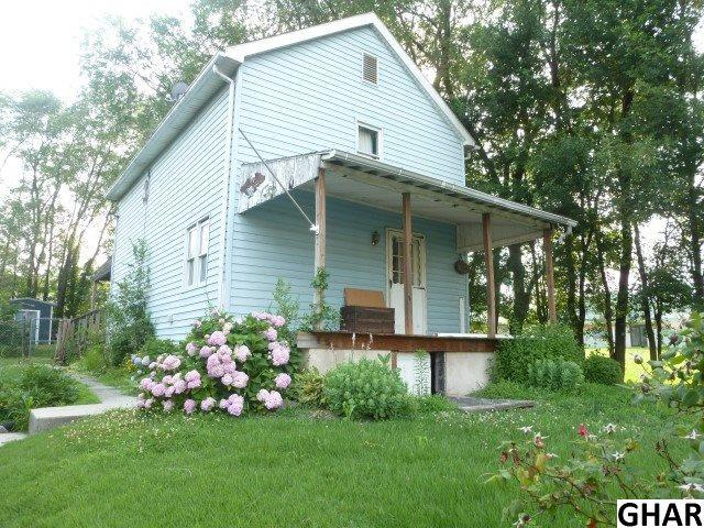 402 Chestnut Street, Enola, PA 17025 (MLS #10304914) :: Teampete Realty Services, Inc