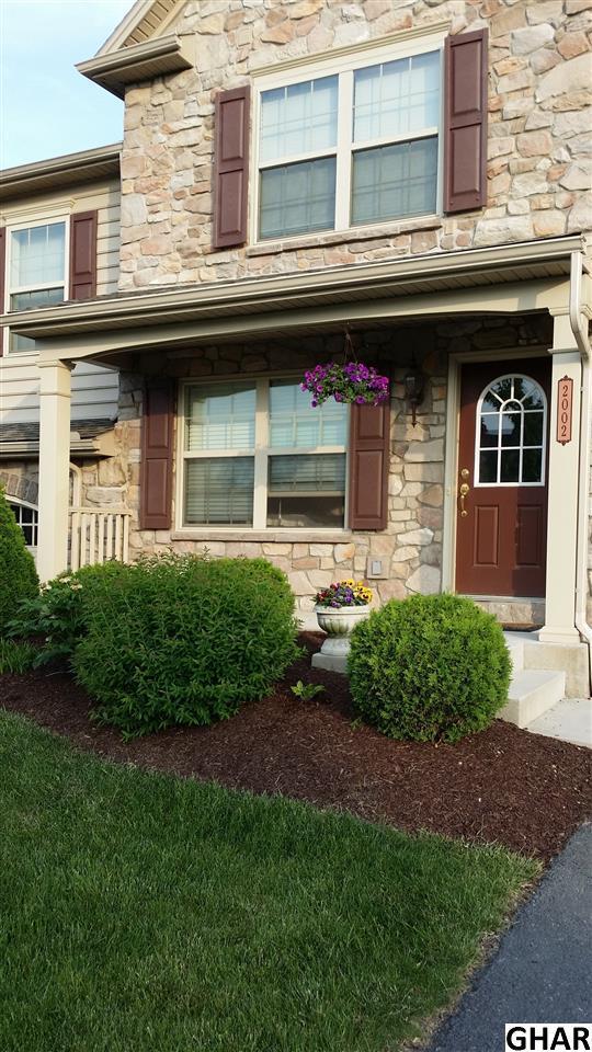 2002 Golden Ct, Mechanicsburg, PA 17055 (MLS #10309075) :: The Joy Daniels Real Estate Group