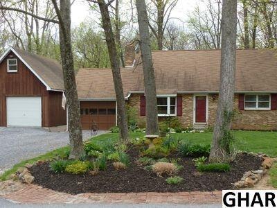 55 Rocky Wood Lane, Lewisberry, PA 17339 (MLS #10302663) :: The Joy Daniels Real Estate Group