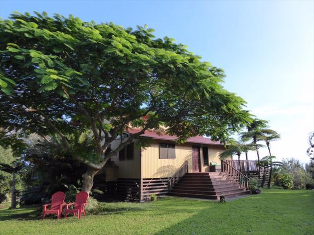 94-6598 Mamalahoa Hwy, Naalehu, HI 96772 (MLS #612575) :: Aloha Kona Realty, Inc.