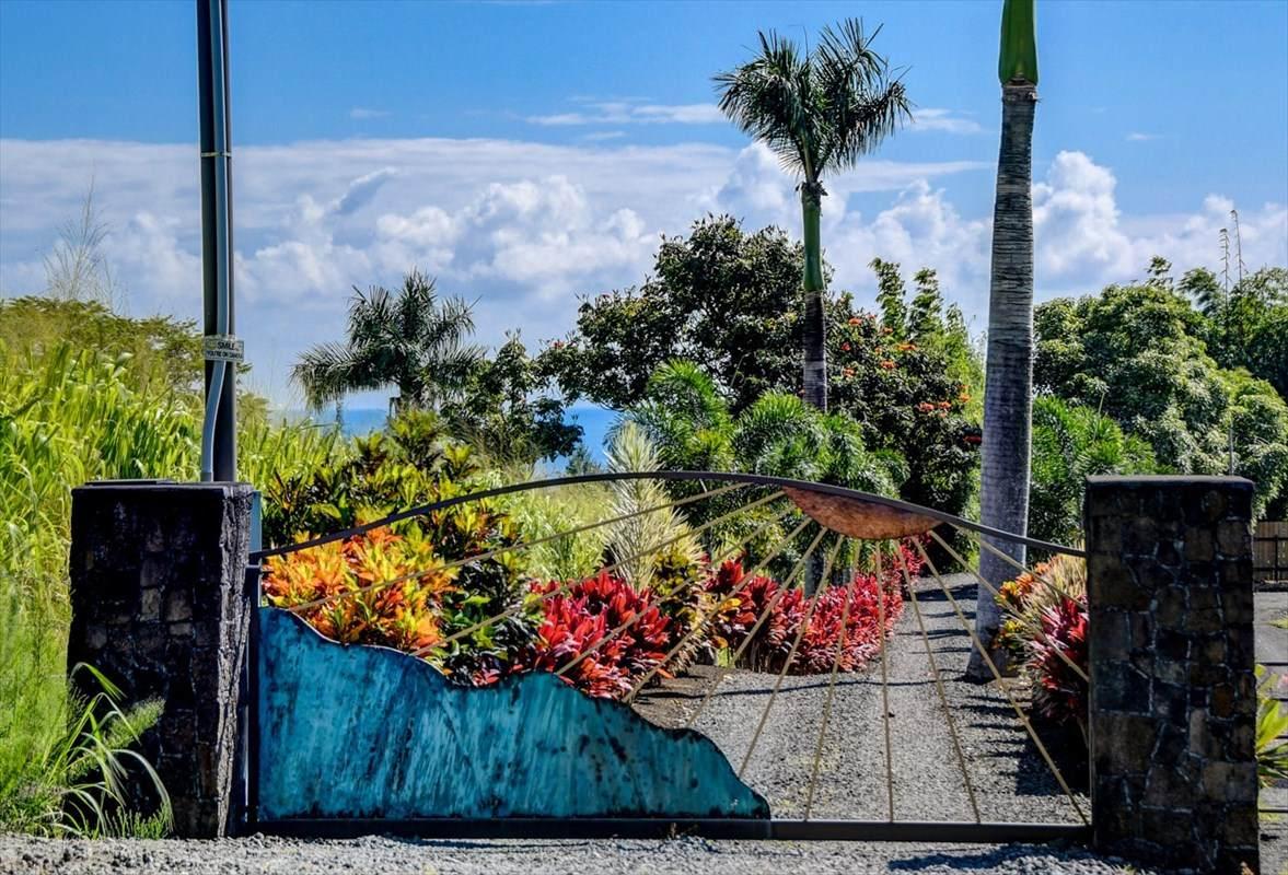 https://bt-photos.global.ssl.fastly.net/hawaii/orig_boomver_1_638265-2.jpg