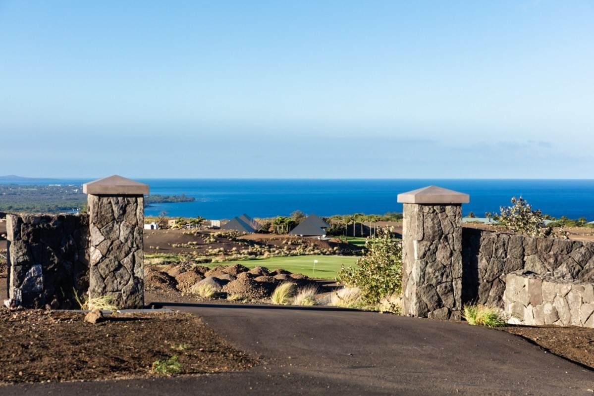 https://bt-photos.global.ssl.fastly.net/hawaii/orig_boomver_1_646829-2.jpg