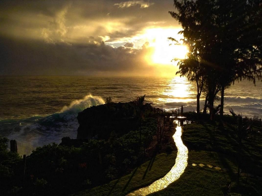 https://bt-photos.global.ssl.fastly.net/hawaii/orig_boomver_1_647083-2.jpg