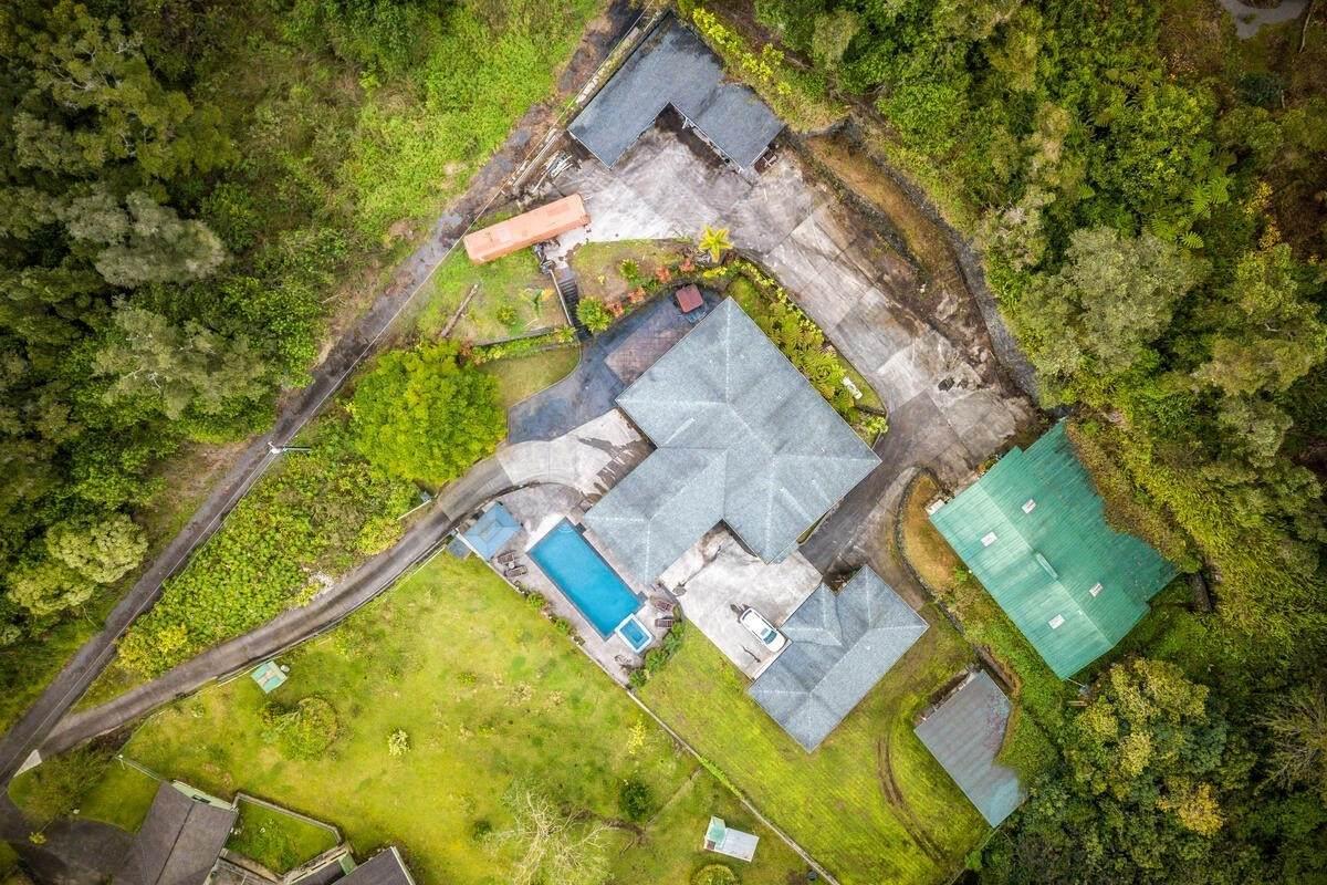 https://bt-photos.global.ssl.fastly.net/hawaii/orig_boomver_1_647343-2.jpg