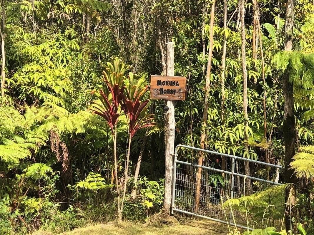 https://bt-photos.global.ssl.fastly.net/hawaii/orig_boomver_1_650684-2.jpg