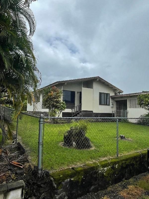 81 Hale Nani St, Hilo, HI 96720 (MLS #653597) :: LUVA Real Estate