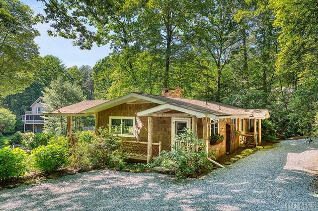 886 North East Shore Drive, Lake Toxaway, NC 28747 (MLS #93040) :: Berkshire Hathaway HomeServices Meadows Mountain Realty