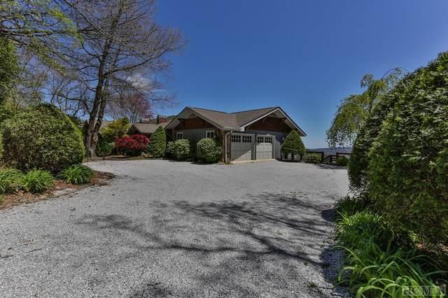 601 Split Rail Row, Highlands, NC 28741 (MLS #93368) :: Berkshire Hathaway HomeServices Meadows Mountain Realty