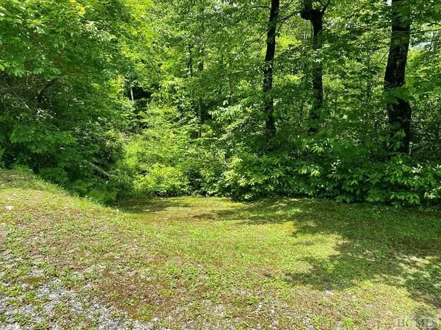 16 Sapphire Ridge Road, Sapphire, NC 28774 (MLS #93703) :: Berkshire Hathaway HomeServices Meadows Mountain Realty