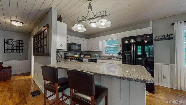361 Huckleberry Hill Road, Scaly Mountain, NC 28775 (MLS #93881) :: Berkshire Hathaway HomeServices Meadows Mountain Realty