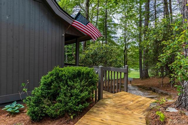 146 Fairway Villas Drive #146, Sapphire, NC 28774 (MLS #96462) :: Berkshire Hathaway HomeServices Meadows Mountain Realty