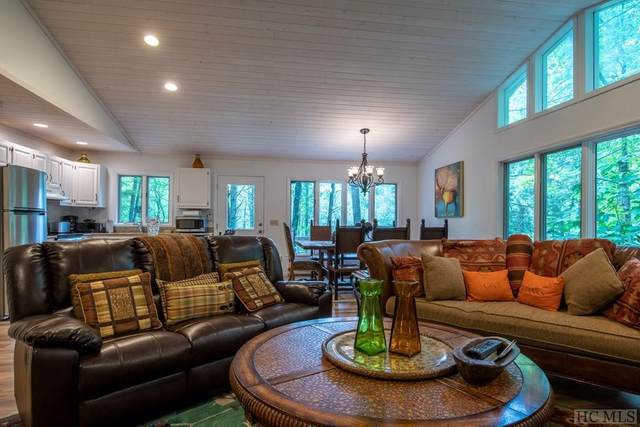 100 Dog Mountain Road, Highlands, NC 28741 (MLS #97326) :: Berkshire Hathaway HomeServices Meadows Mountain Realty