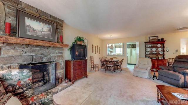 302 Highlands Mountain Club Drive #302, Highlands, NC 28741 (MLS #89419) :: Berkshire Hathaway HomeServices Meadows Mountain Realty