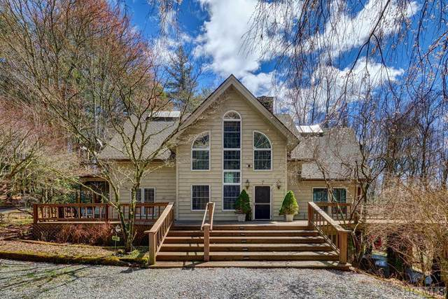 872 Wayfaring Road, Cashiers, NC 28717 (MLS #93590) :: Berkshire Hathaway HomeServices Meadows Mountain Realty
