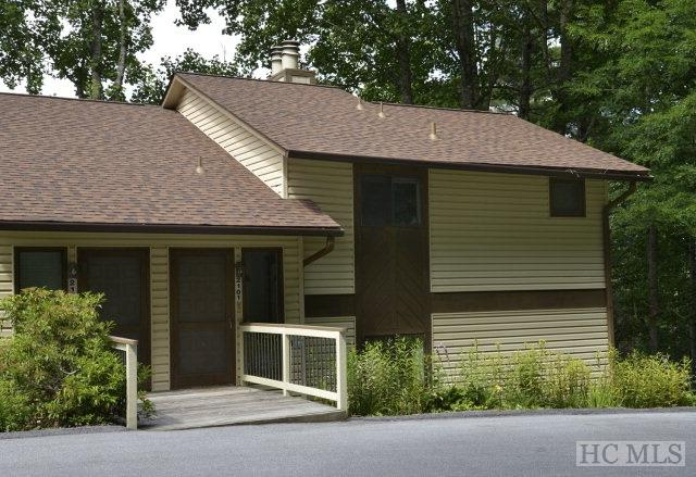 2101 Highlands Mountain Club Drive #2101, Highlands, NC 28741 (MLS #82311) :: Berkshire Hathaway HomeServices Meadows Mountain Realty