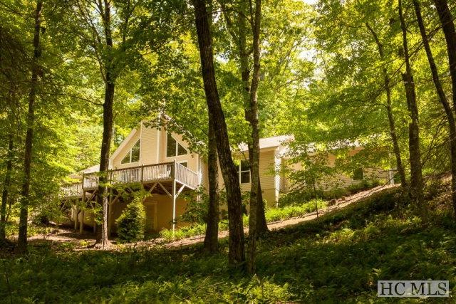 296 Fallen Leaf Lane, Highlands, NC 28741 (MLS #84027) :: Lake Toxaway Realty Co