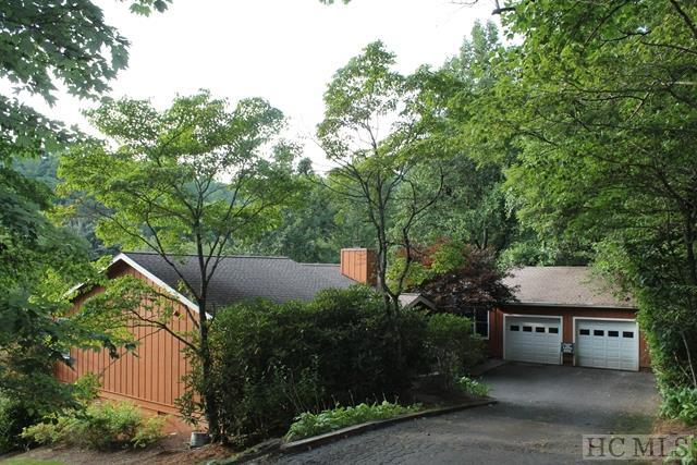 3175 Clear Creek Road, Highlands, NC 28741 (MLS #84483) :: Berkshire Hathaway HomeServices Meadows Mountain Realty