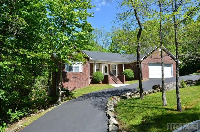 149 Hemlock Woods Drive, Highlands, NC 28741 (MLS #85477) :: Berkshire Hathaway HomeServices Meadows Mountain Realty