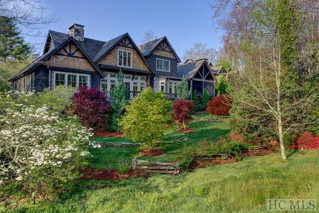 494 Country Club Drive, Highlands, NC 28741 (MLS #85895) :: Berkshire Hathaway HomeServices Meadows Mountain Realty