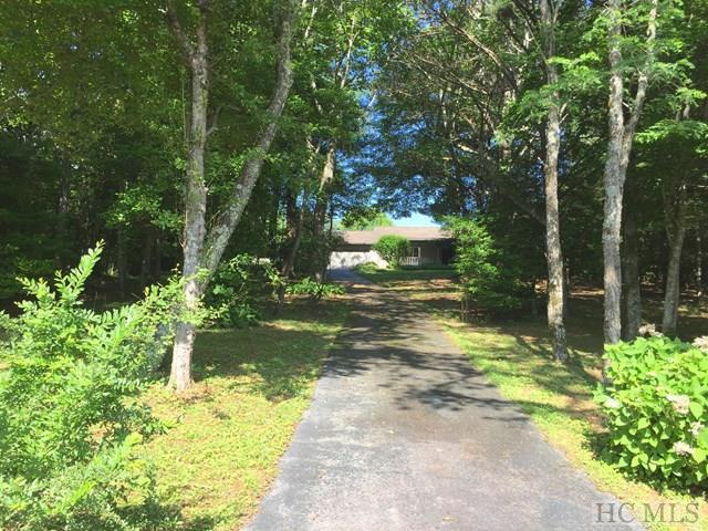 800 Hale Ridge Road, Scaly Mountain, NC 28775 (MLS #86280) :: Lake Toxaway Realty Co