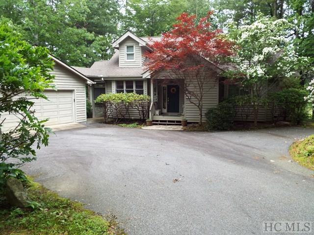 226 Fairway Drive, Lake Toxaway, NC 28747 (MLS #86321) :: Lake Toxaway Realty Co