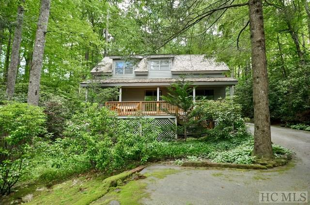 189 Racquet Club Drive, Cashiers, NC 28717 (MLS #86347) :: Lake Toxaway Realty Co