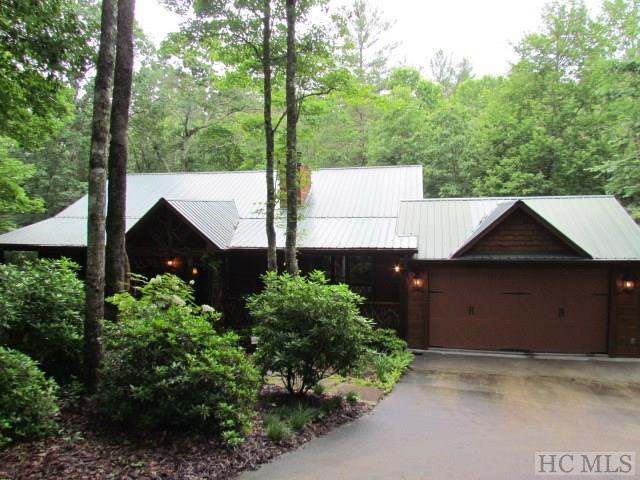 801 Buckberry Drive North, Sapphire, NC 28774 (MLS #86361) :: Lake Toxaway Realty Co