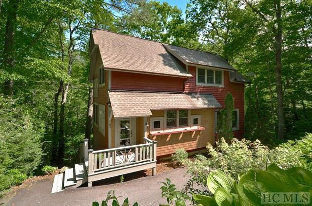 43 East Falling Brook Trail, Glenville, NC 28736 (MLS #86366) :: Lake Toxaway Realty Co